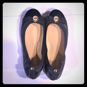 Michael Kors black patent ballet flat shoes